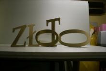 Grafika przestrzenna z malowanego styroduru z frontem z dibondu kopia
